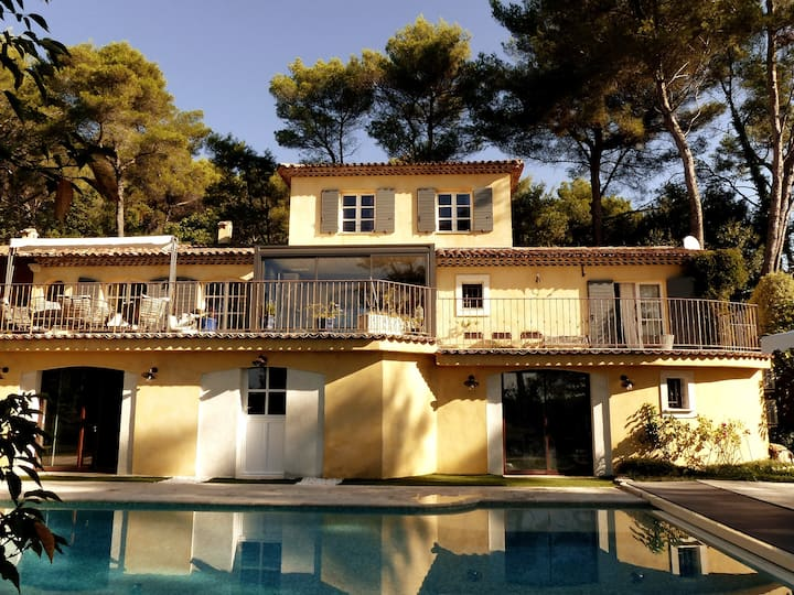 Charming B&B with swimming-pool on the Côte d'Azur