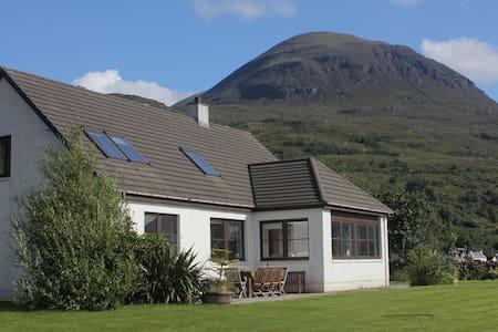 Ben View - Torridon - บ้าน