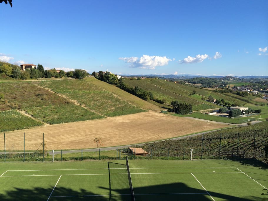 Private Tennis court - Summer Panorama