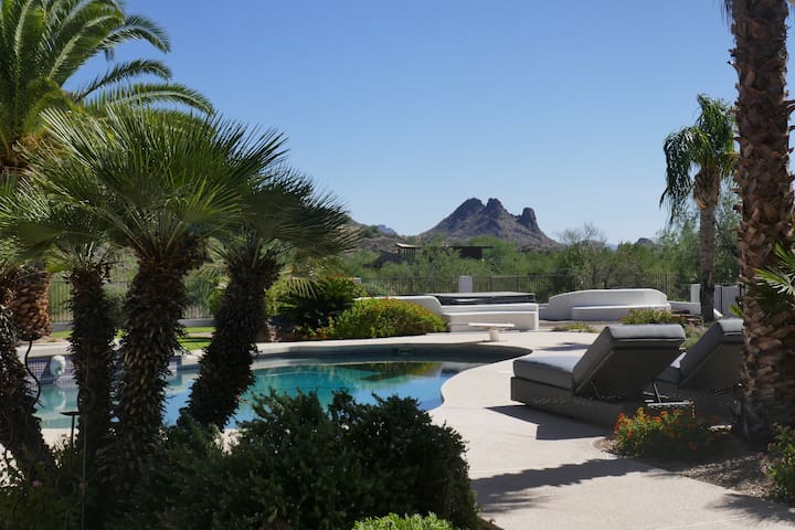 Scottsdale, Breathtaking Mountain Views -Sleeps 14