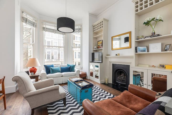 Stunning 1-bed flat by Earl's Court in Kensington!