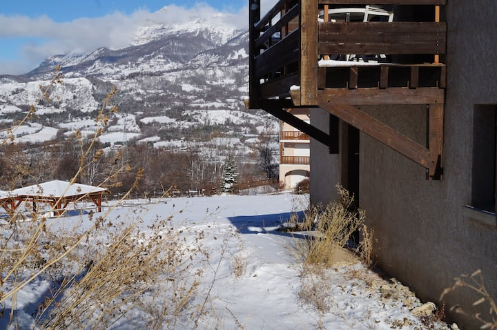 Appartement en rez de jardin avec vue dégagée