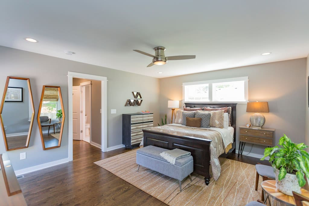 Stylish Spacious Suite In Central Location Guest Suites For Rent In Nashville Tennessee