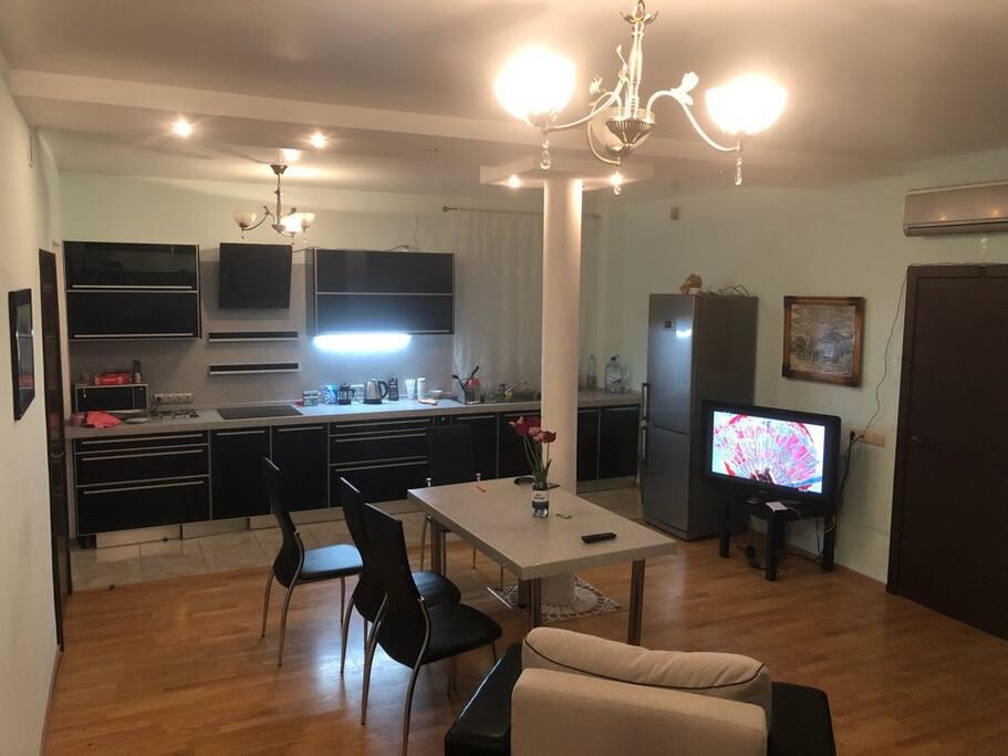 Гостиная (lounge room)