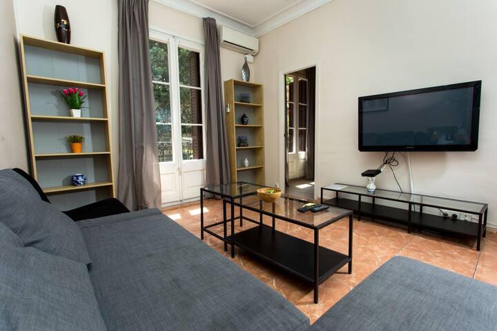 Casa Miro P3, 4-BR apt with Balcony (HUTB-005909) - Barcelona - Apartment