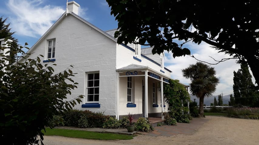 Western House Bed and Breakfast