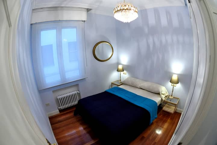 Room in the centre with bathroom