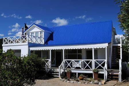 Wave Crest Cottage - Sandbaai