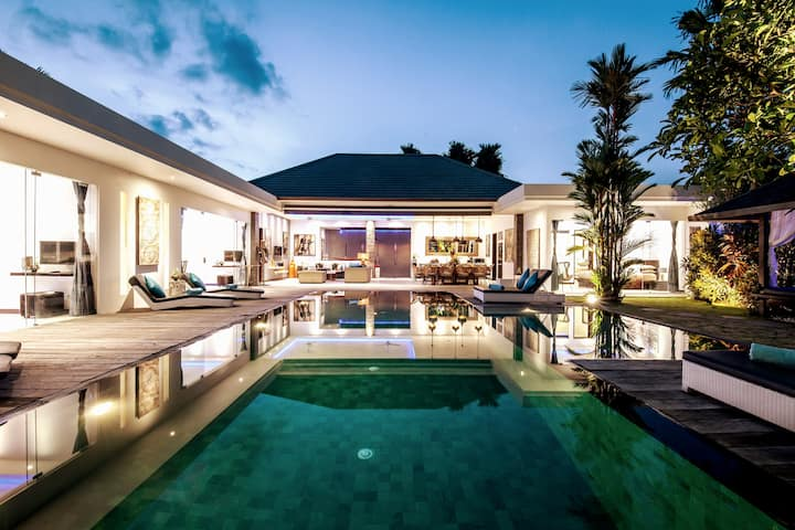 PROMO UP TO 70% DISC: 4 BEDROOMS VILLA IN SEMINYAK