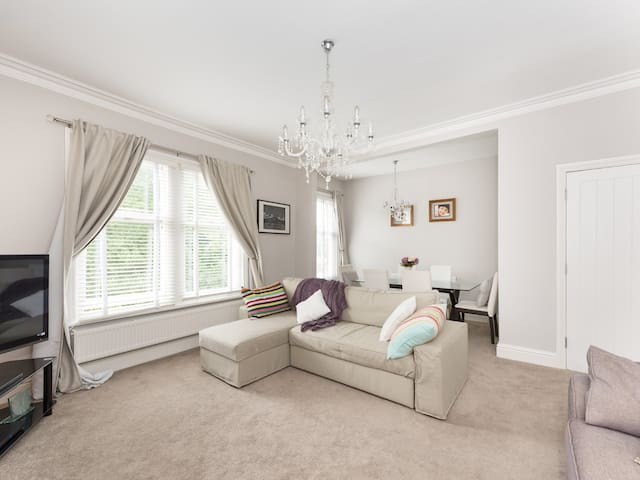 THE ELMS, family friendly in Lytham St. Annes, Ref 986988