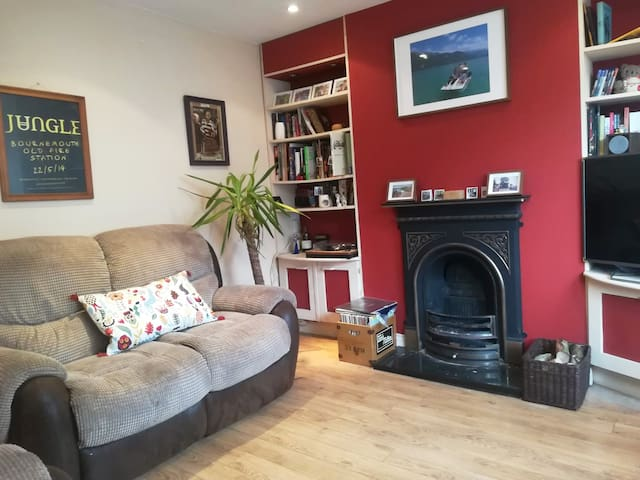 Lovey and bright 1 bedroom flat in Totterdown