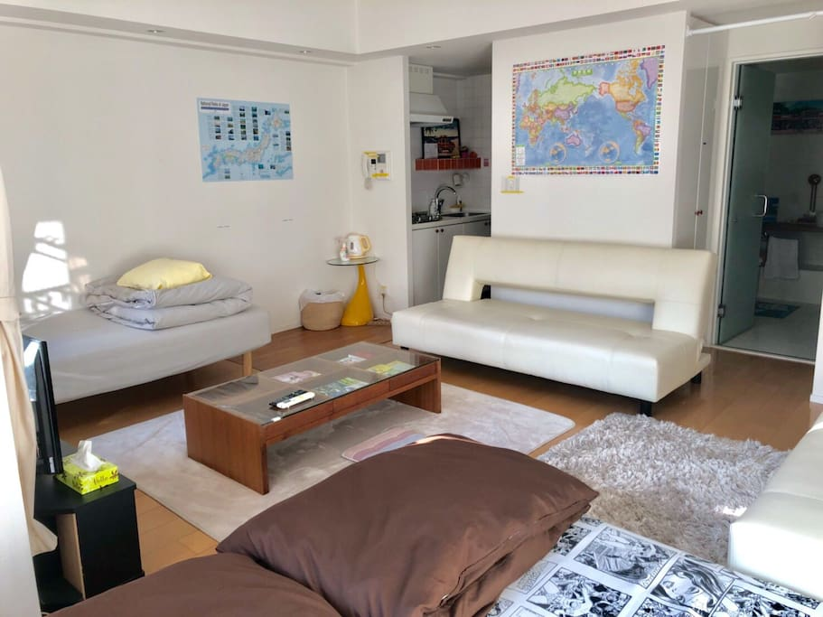 MAX 5P can stay 3 shingle beds 2 sofa beds 2futons No smoking Double lock Check in from3pm Check out    11am 440ppt Pocket speed wifi paid rental service Luggage Storage Service(1Luggage Price/2hour ¥1000) Clean Up Room Service(¥7000) ★The bath is already repaired!  最大5名様ステイ シングルベッド3 ソファベッド2 布団2セット 禁煙 2重ロック チェックイン15時〜 チェックアウト11時 ポケットWIFIレンタルサービス 荷物預かりサービス/1個の荷物価格 (2hour ¥1000)