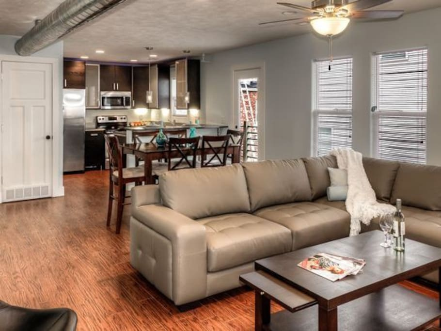 Large 2 Bedroom Apartment In Downtown Omaha Apartments For Rent In Omaha Nebraska United States