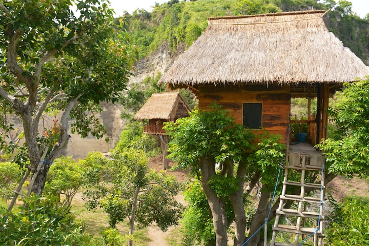 Домик на дереве. Rumah Pohon Tree House необычный отель