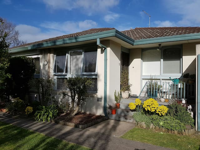 Perfect unit in awesome Northside - Northcote - House
