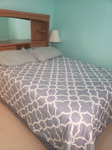 Comfy private room  near Airport & 1-10 Freeway