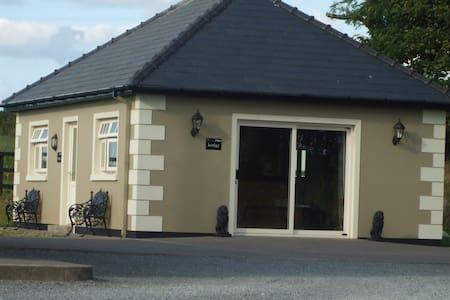 Luxury 2 Bedroom Private Lodge near Bandon/Kinsale