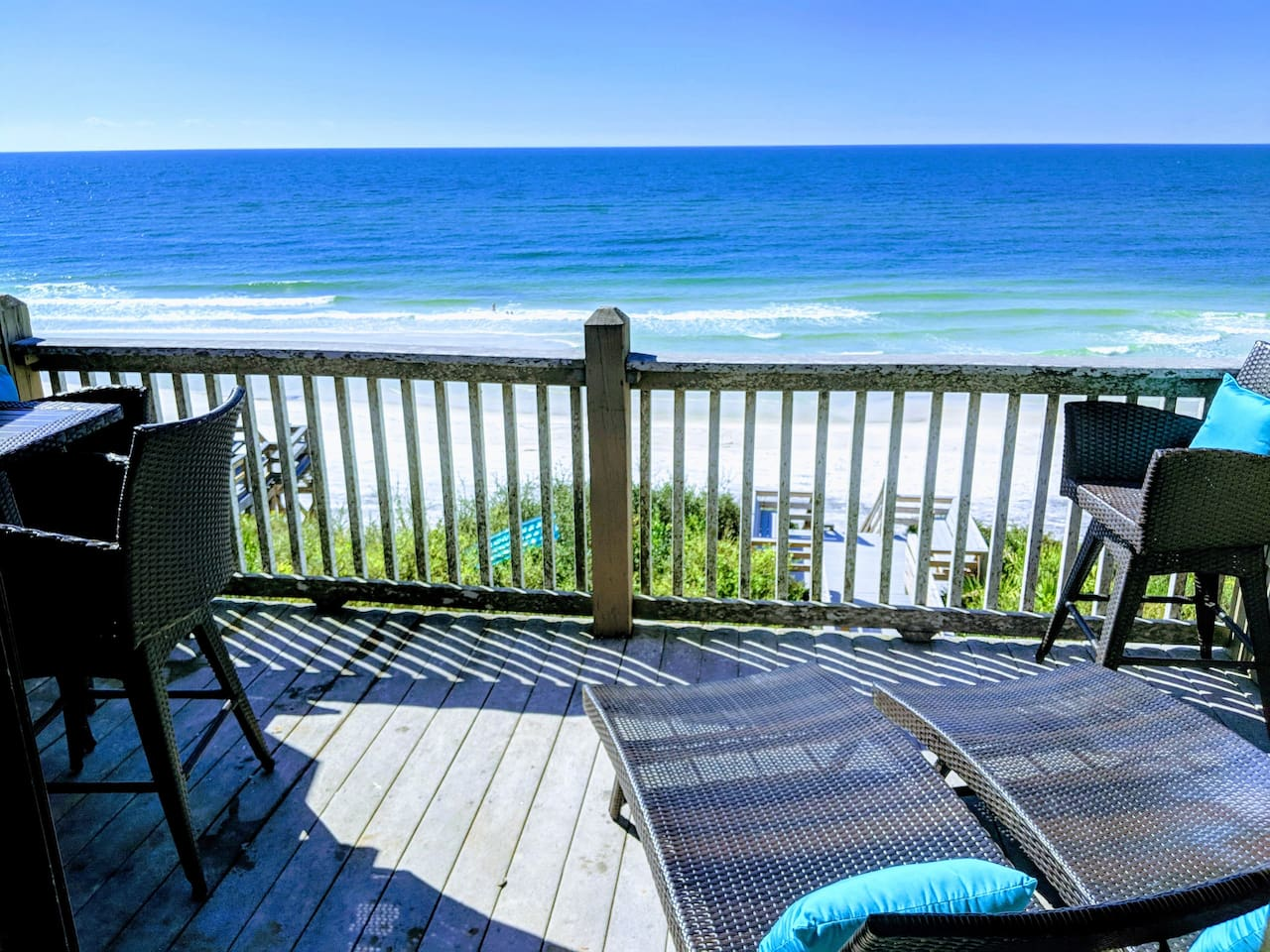 Perfect, unobstructed, panoramic view from your balcony!