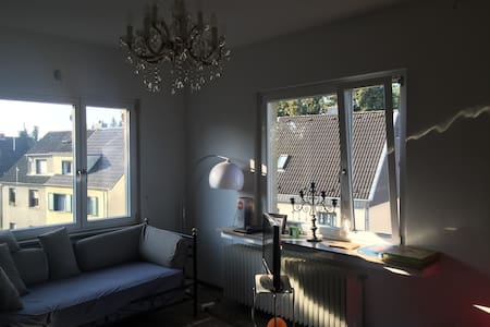 Geräumiges Privatzimmer in Hürth-Efferen - Hürth