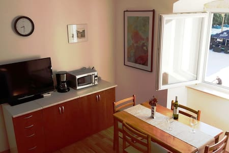 Pag,  Apartment on central square
