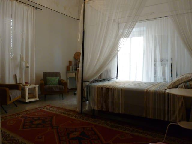 Double bedroom in center of Catania - Catânia - Apartamento