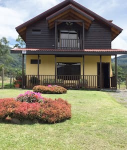 Hospedaje Cabaña Santa María de Dota