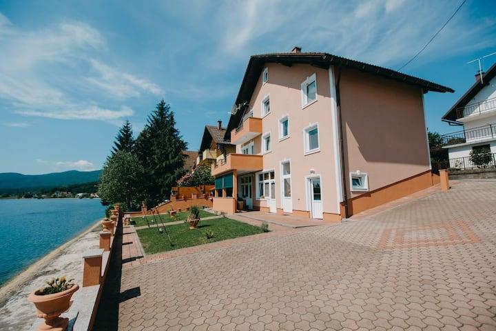 """Apartments """"Boban""""- Apartment """"Regoč"""""""