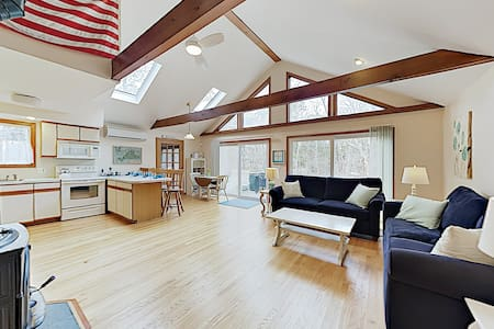 Charming Home w/ Deck, Screened Porch, Balcony