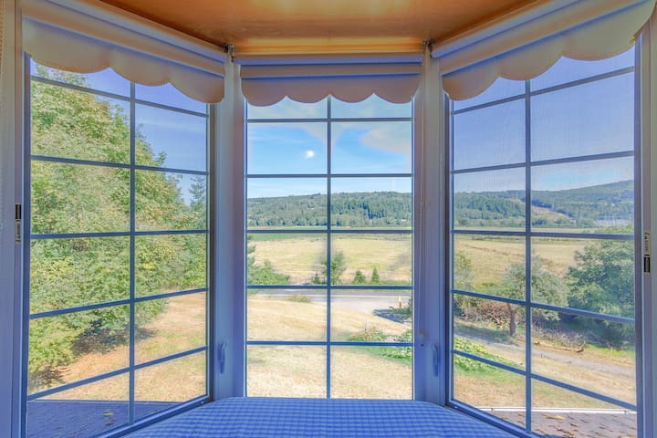 Relax in the window seat where you can see cows, coyotes, and Canada geese.