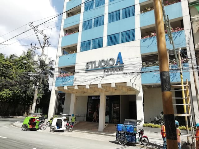 ★StayHere★ Studio A Katipunan near Ateneo & UP