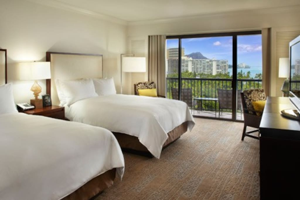 Luxurious hotel room with beautiful views of Diamond Head!