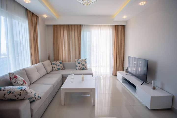 شقة غرفتين وصالة + مدخل خاص