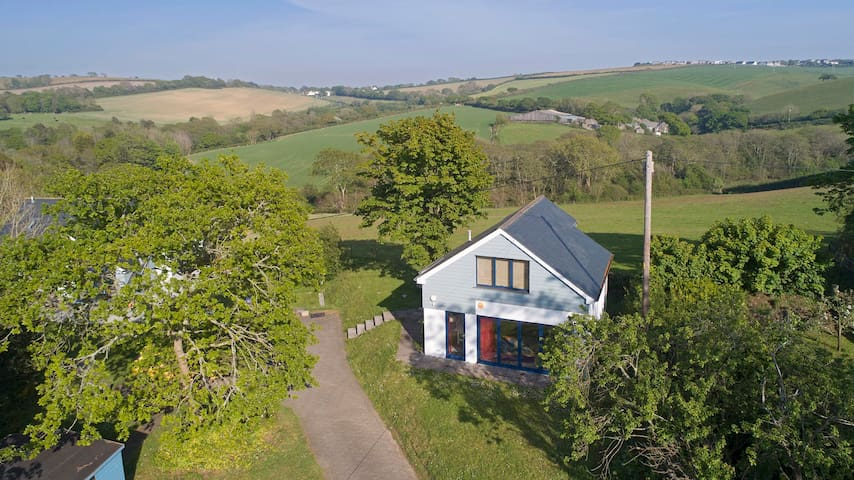 Detached Studio accommodation  South East Cornwall