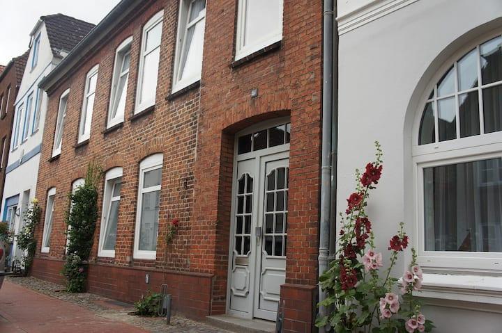 Teamwohnung 1690, 8-Zi-Haus (bis 12 Pers.) 160 m²