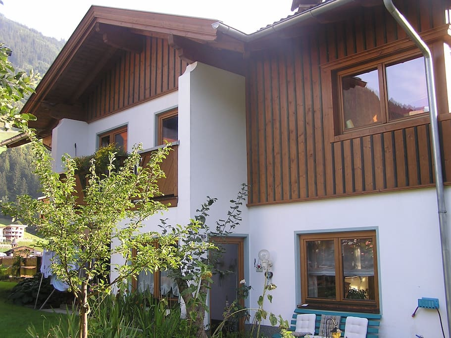 Room barbara huizen te huur in finkenberg tirol oostenrijk for Huizen te koop oostenrijk tirol
