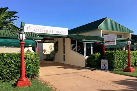 Central Apartments (No Cleaning fees) Free WiFi