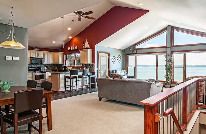 Spacious Edgerton Home w/ Private Beach & Views!
