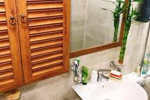 [Suri's House 1] 조용하고 깨끗한 아파트 개인실 / 이촌,용산역 / 조식제공