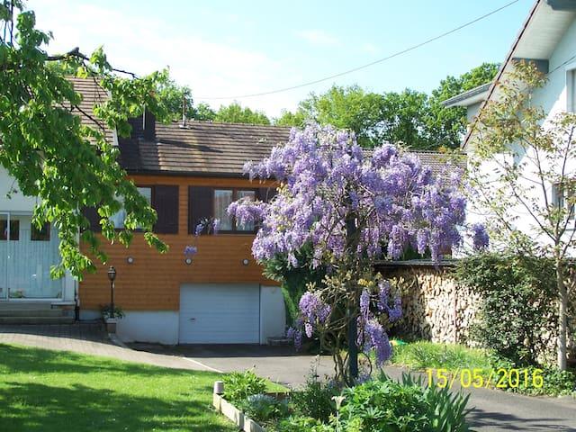 Logis d'hôtes,  pays de Montbéliard - Courcelles-lès-Montbéliard - Huis