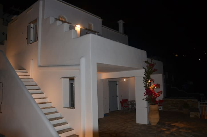 Modern new Villa,amazing Aegean view - Triantaros