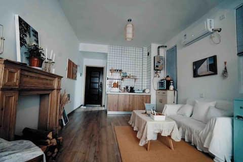 摄影师的家ToSeeYou-Room1<白糖薄荷> 包河万达/地铁/投影/电热毯