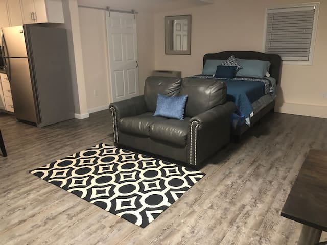 Private comfortable  guest suite