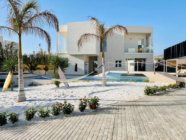 Modern Villa with own beach and perfect view