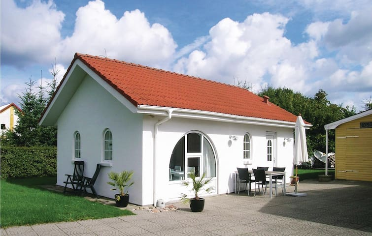 Holiday cottage with 1 bedroom on 50m² in Hadsund