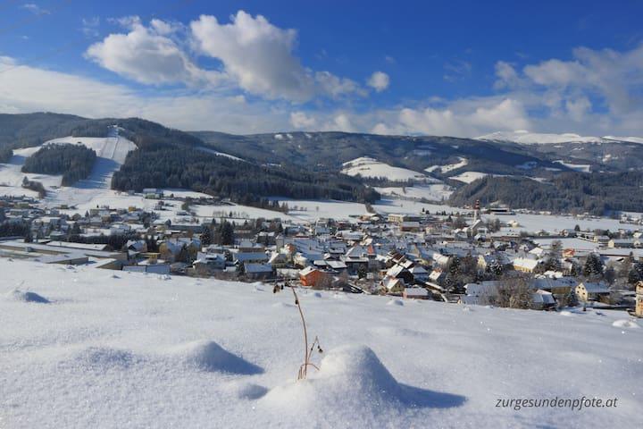Obdach im Winter 2018 - Blick auf den Skilift Obdach und den Zirbitzkogel.
