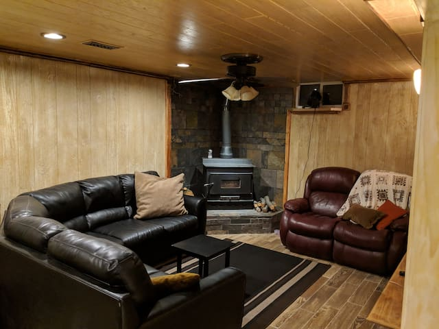 Hike, Bike, Ski, Canyon Access - Private Basement