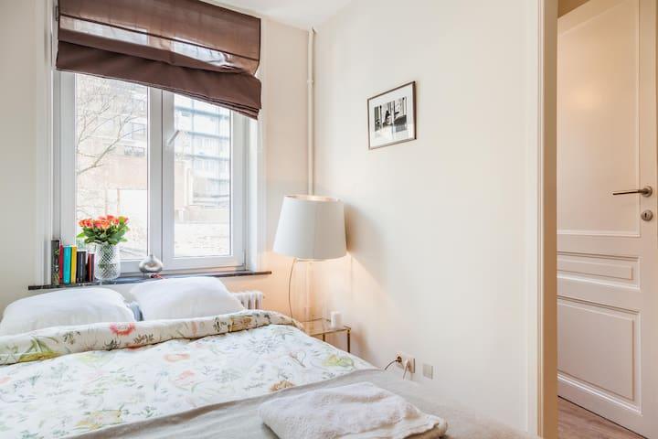 Bright, cosy, private, double room