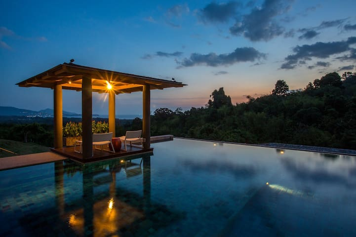 Amazing Layan Beach 8 bedroom Luxury Villa