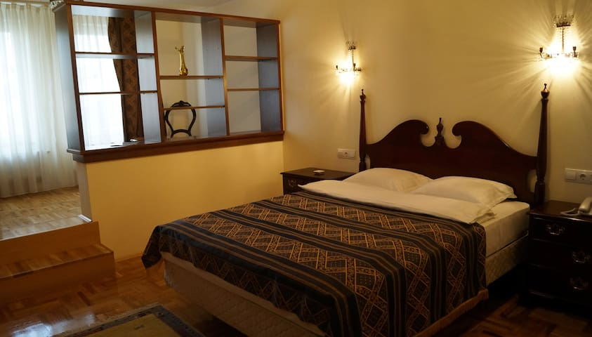 Hotel Octagon - Sarajevo - Bed & Breakfast