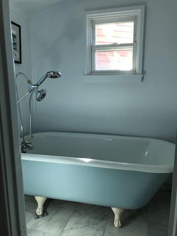 Claw Foot Tub Main Level Bathroom